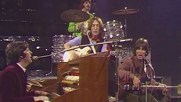"""After A Year, The Beatles Make Their First Live Appearance With Iconic """"Hey Jude"""" 