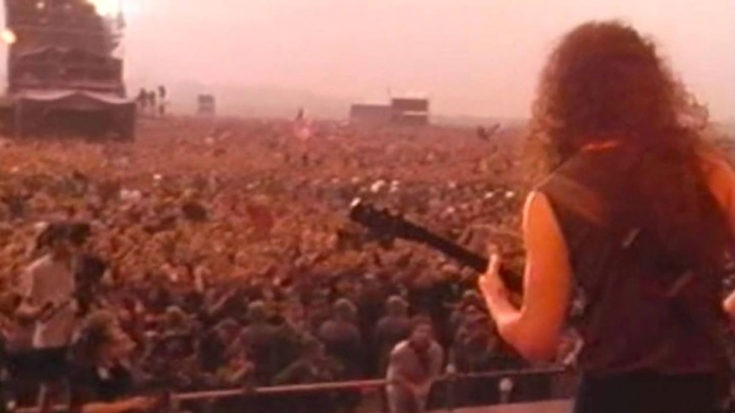 Metallica 'Enter Sandman' In Front of 1 Million People- Looks Like Chaos | I Love Classic Rock Videos