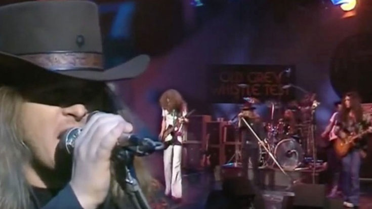 "Ronnie Van Zant Goes Hard Live With ""Double Trouble"" 1975 