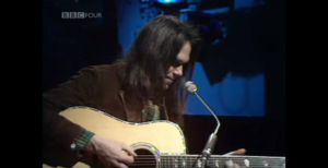 """Neil Young at Just 26 yrs of Age Kills It With """"Old Man"""""""