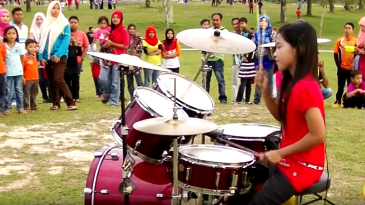"She Starts Playing ""Sweet Child O' Mine"" On Drums – People Gather Around For Good Reason 