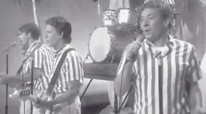 """Jimmy Fallon And Kevin Bacon Have A Lot Of """"Fun"""" With This Laugh Out Loud Beach Boys Parody!"""