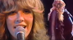 "28-Year-Old Stevie Nicks Crashes Late Night TV And Absolutely Slays ""Rhiannon"""