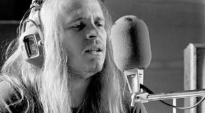 "Ronnie Van Zant's ""Simple Man"" Vocal Track Surfaces, And It's An Absolute Masterpiece"