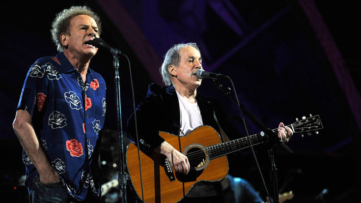 "Even 53 Years Later, Simon & Garfunkel Perform ""Sound Of Silence"" Like Only They Can! 