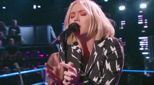 'Voice' Contestant Sings Stevie Nicks' 'Landslide,' & It's Guaranteed To Take Your Breath Away!