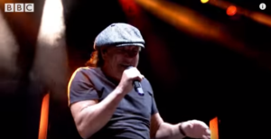 Muse and Brian Johnson of AC/DC Set Off Reading Festival With This Performance in Memory of Malcolm Young!