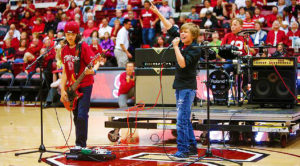 """6th Graders Shred Unbelievable Cover Of AC/DC's """"T.N.T."""" During Halftime Of College Basketball Game!"""
