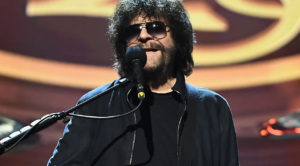 After 30 Long Years, Jeff Lynne's Got Some News That'll Make Your Entire Day