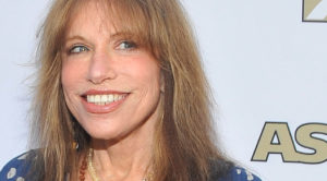 """Carly Simon Finally Reveals The """"You're So Vain"""" Secret You've Never Heard Before – Ooh, This Is Good!"""