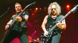 Metallica Pay Tribute To Black Sabbath In Birmingham, & Perform Epic 'War Pigs' Cover You'll Love It!