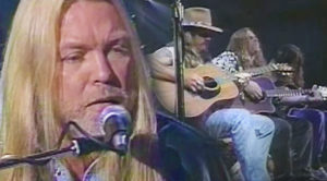 "Gregg Allman And Dickey Betts Play ""Melissa"" Live, And It's Pure Magic"
