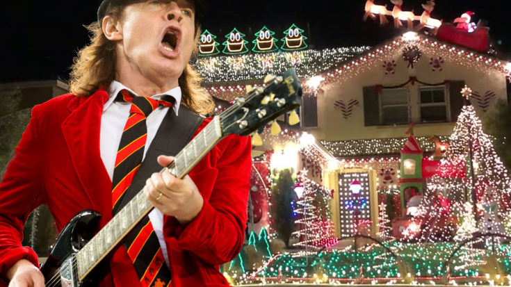 """Family Synchronizes Christmas Lights To AC/DC's """"Thunderstruck"""" – Rock Fans Are Gonna Love This! 