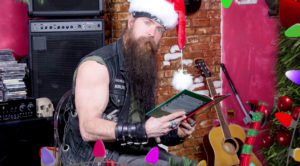 "Zakk Wylde's ""Twas The Night Before Christmas"" Reading Takes A Creepy (And Hilarious) Turn"