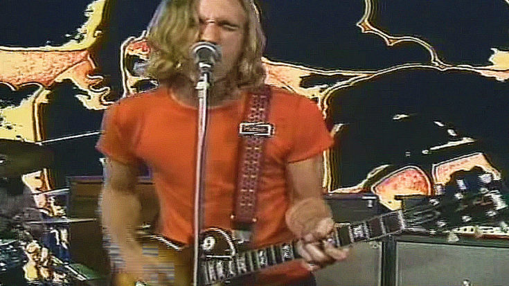 """24-Year-Old Joe Walsh Cuts Loose With James Gang In Psychedelic """"Walk Away"""" Video 