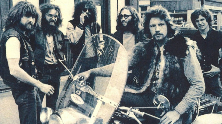 """45 Years Later, King Harvest's Ultra Dreamy """"Dancing In The Moonlight"""" Still Makes Us Smile   I Love Classic Rock Videos"""