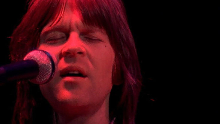 "We Can't Get Enough Of Randy Meisner's Spine Tingling ""Take It To The Limit"" Performance At Capital Centre 