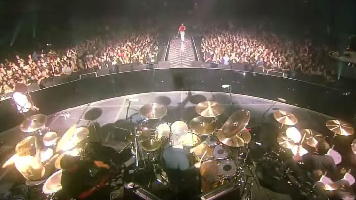 """Queen Once Used Three Drummers To Play """"We Will Rock You"""" And It Was Damn Amazing 