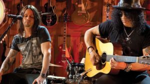 Slash And Friends Take It Down A Notch For An Acoustic Jam That Is Just Too Peaceful