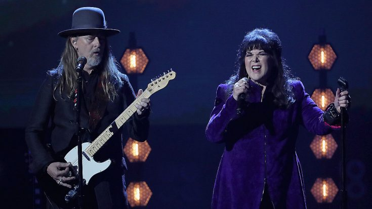 """Ann Wilson Steals The Show With Soulful """"Black Hole Sun"""" Cover At The Rock & Roll Hall Of Fame Ceremony 