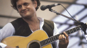 "44 Years On, Nothing Hits Every Good Father's Biggest Fear Like Harry Chapin's ""Cat's In The Cradle"""