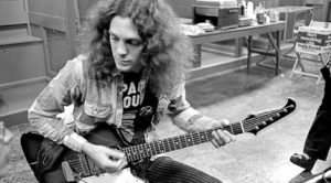 "45 Years Ago: Allen Collins Strikes Gold With Out Of This World ""Free Bird"" Guitar Solo"
