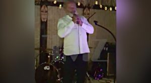 Legendary Actor Crashes Party To Sing A Classic Rock Cover And The Place Went Crazy