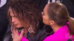 Steven Tyler Gets Gift On 'American Idol' – Immediately Starts Crying When He Sees What It Is