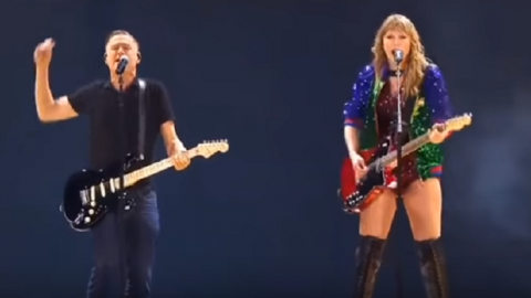 "Taylor Swift Joined By Bryan Adams: ""Summer of '69"" – They ROCK! 