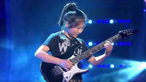 12-Year-Old Girl Can Melt Faces With Guitar Shredding Skills – This Girl Is From Another Planet | I Love Classic Rock Videos