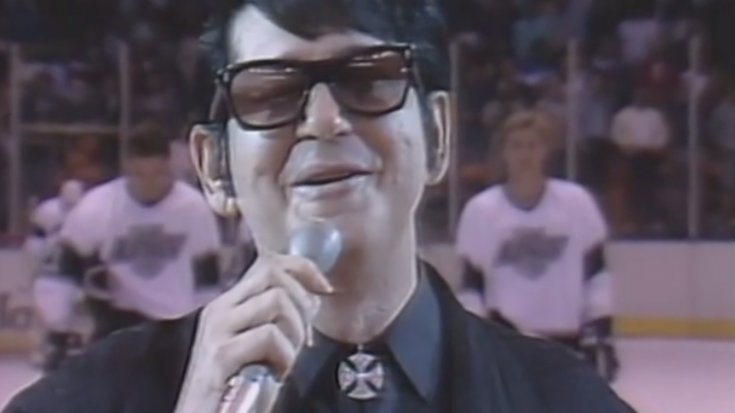 "Roy Orbison Delivers ""The Star Spangled Banner""- How It Should Be Done 