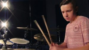 12 Yr Old Kid Totally Nails Rush In This Drum Cover!