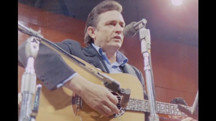 """Album Review: """"At Folsom Prison"""" by Johnny Cash 