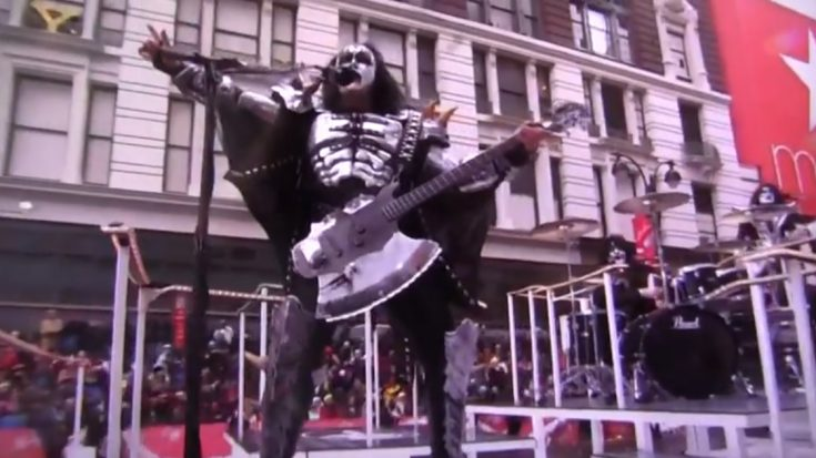 Remembering The Thanksgiving Parade Of KISS | I Love Classic Rock Videos