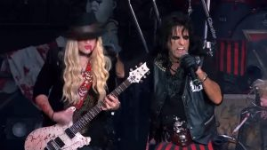 Alice Cooper Announces 2020 Tour With Tesla And Lita Ford