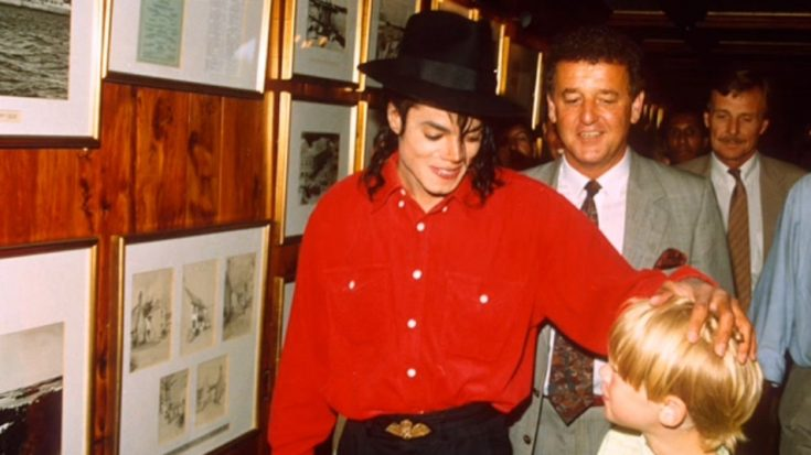 Macaulay Culkin Talks Openly About His Friendship With Michael Jackson | I Love Classic Rock Videos