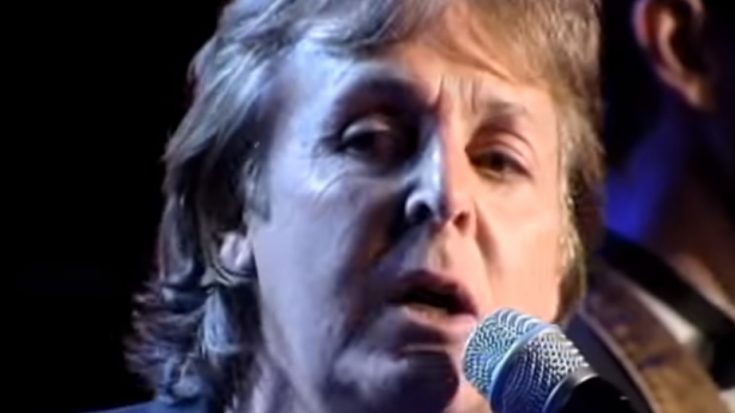 """Paul McCartney, Eric Clapton, And Others Perform """"Let It Be"""" 
