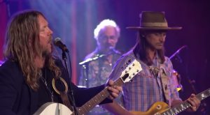 "Allman Betts Band Covers ""Midnight Rider"" In CBS This Morning"