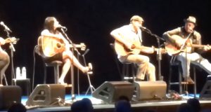 """Watch Vince Gill And James Taylor Sing """"Bartender's Blues"""" With Other Legends"""