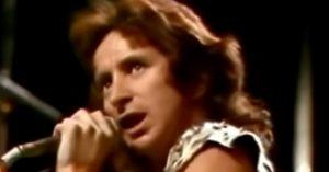 "Watch AC/DC's Earliest Performance Of ""Jailbreak"" In 1976"