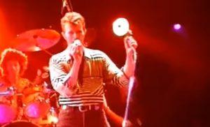 "David Bowie Performs ""Teenage Wildlife"" in 1995 – Watch"