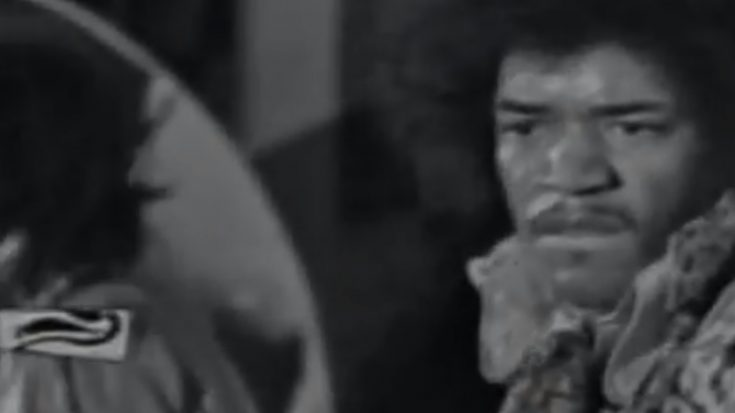 """Watch And Relive the Live Performance Of Jimi Hendrix's """"Wild Thing"""" -1966 