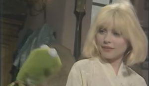 Watch Debbie Harry's Duet With Kermit The Frog On 'Rainbow Connection'