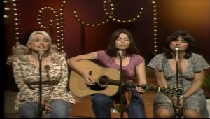 The First Trio Performance Of Linda Ronstadt, Dolly Parton, And Emmylou Harris