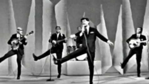 Remember The Dance Craze Freddie & Dreamers Popularized?