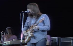 Remember Growing Up In The '70s With Chicago's Colour My World / Make Me Smile Live