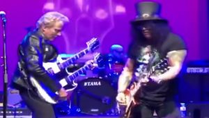 Don Felder Perfectly Teams Up With Slash For Hotel California Performance – Watch