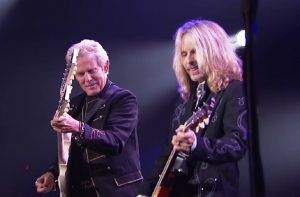 Don Felder Teams Up With Styx For Incredible 'Hotel California' Performance