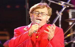 Elton John Puts A Tear Jerker Performance Of 'The Show Must Go On'