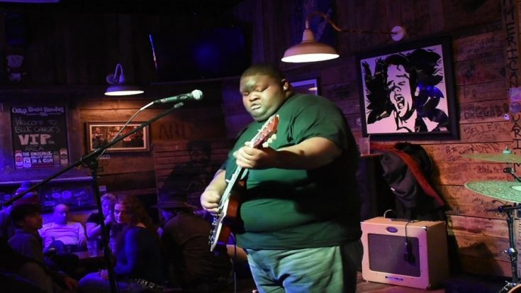 """Watch Kingfish Ingram Give a Tasteful Cover of """"Rollin' Stone"""" 